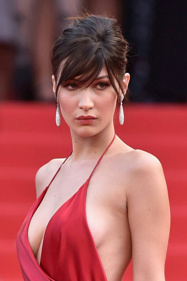 BellaHadid_Cannes (23)