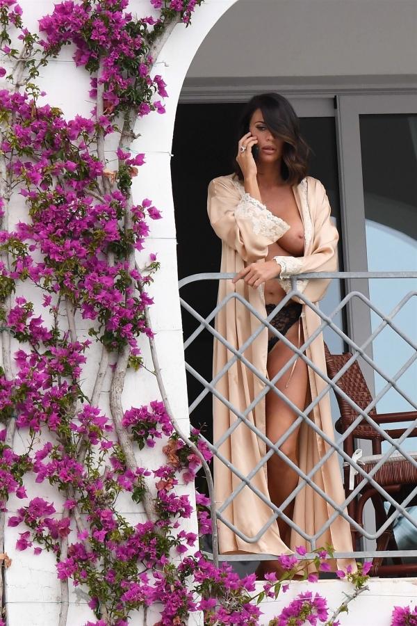 Claudia-Galanti-Topless__2_.jpg