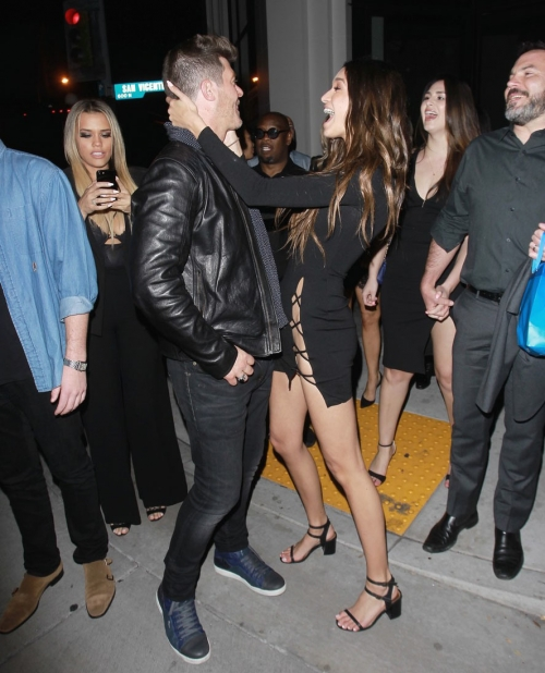 robin-thicke-celebrates-40th-birthday-april-love-geary-03.jpg