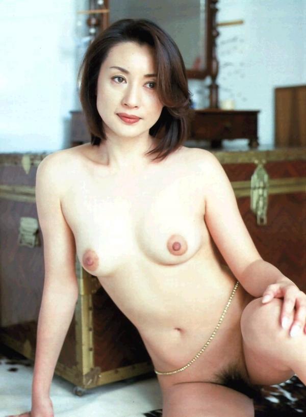美乳な熟女のエロ画像-10