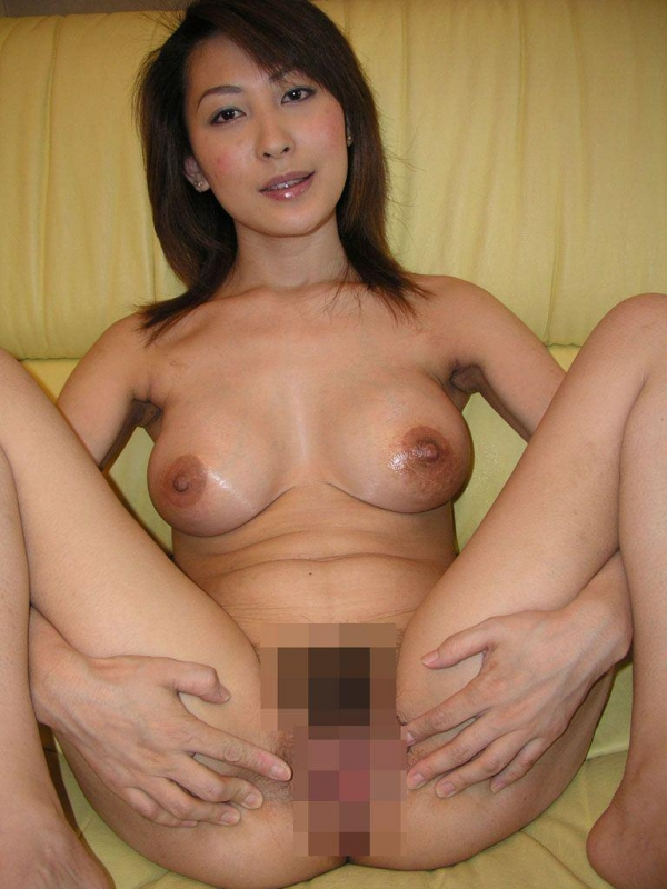 美乳な熟女のエロ画像-24