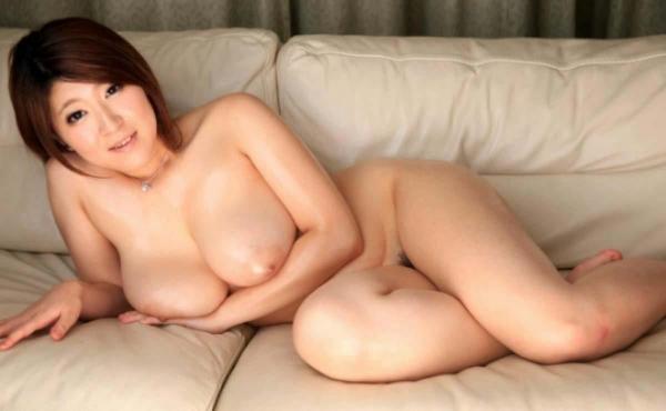 美乳な熟女のエロ画像-44