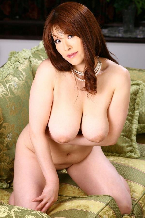 美乳な熟女のエロ画像-47