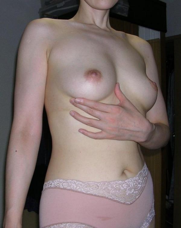 美乳な熟女のエロ画像-51
