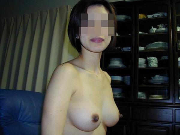 美乳な熟女のエロ画像-59