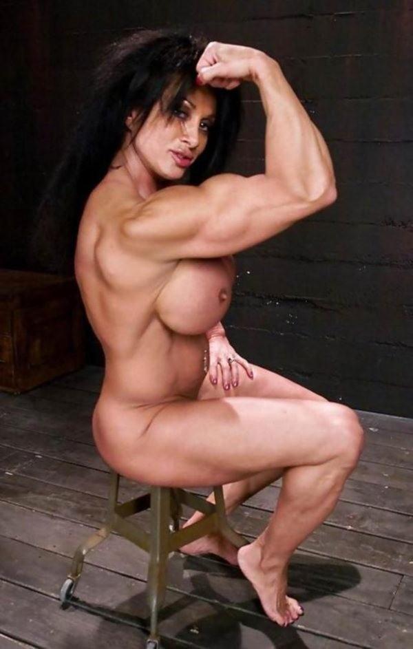 女性ボディビルダーのヌード画像-30