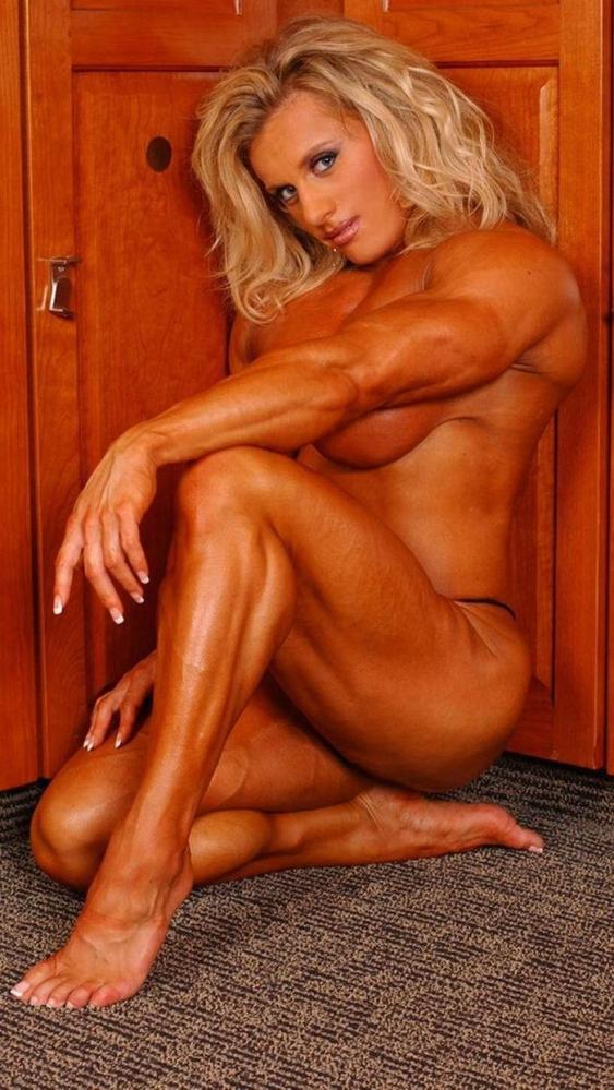女性ボディビルダーのヌード画像-37