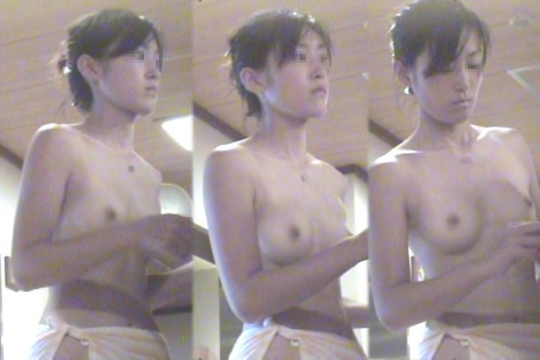 女風呂の脱衣所盗撮隠し撮り画像-45
