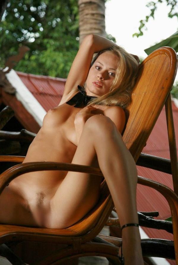 裸ネクタイの画像-6