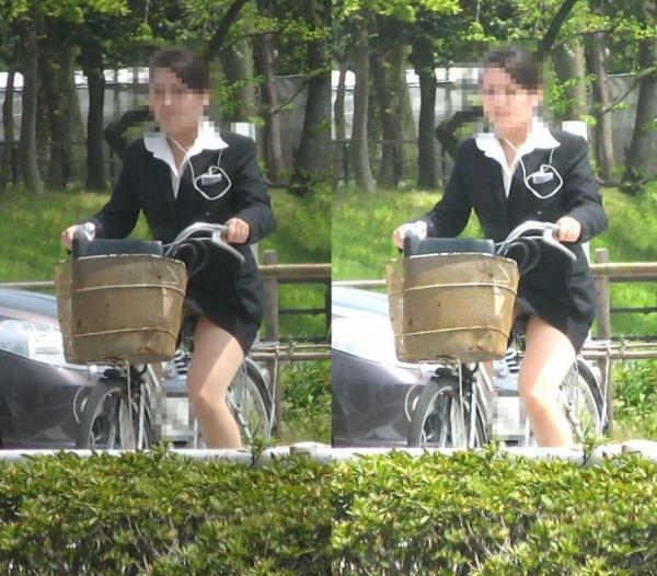自転車パンチラの画像-43