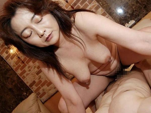 熟女のハメ撮りセックス画像-57