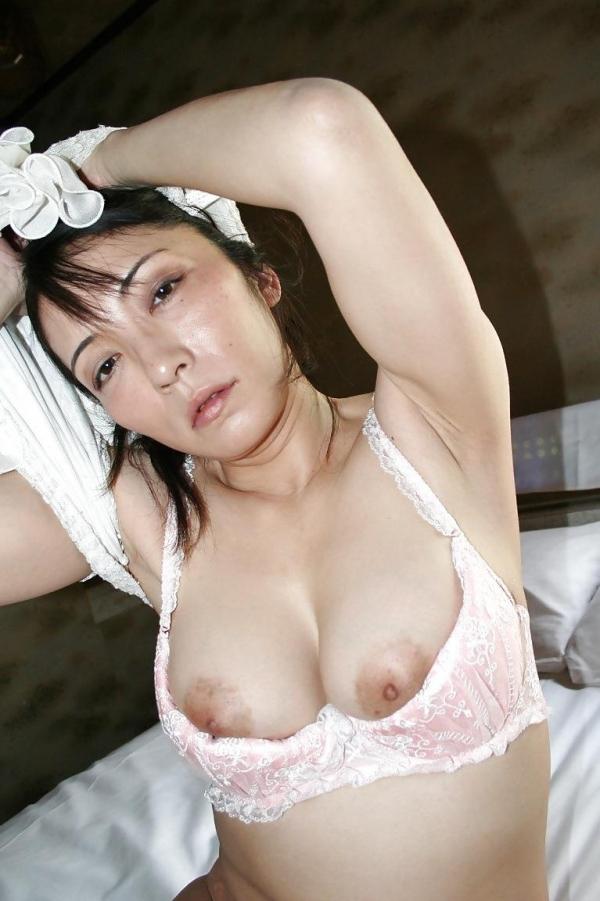 熟女妻のヌード画像-33