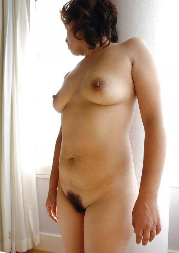 熟女妻のヌード画像-51