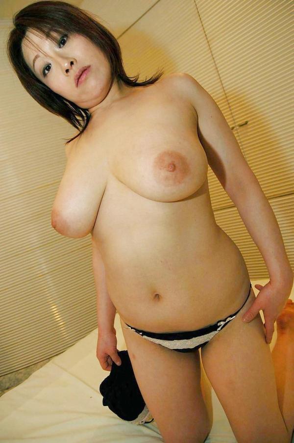 熟女妻のヌード画像-54