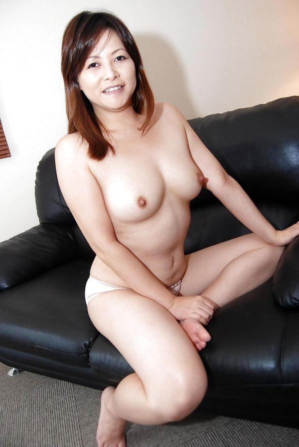 熟女妻のヌード画像-55