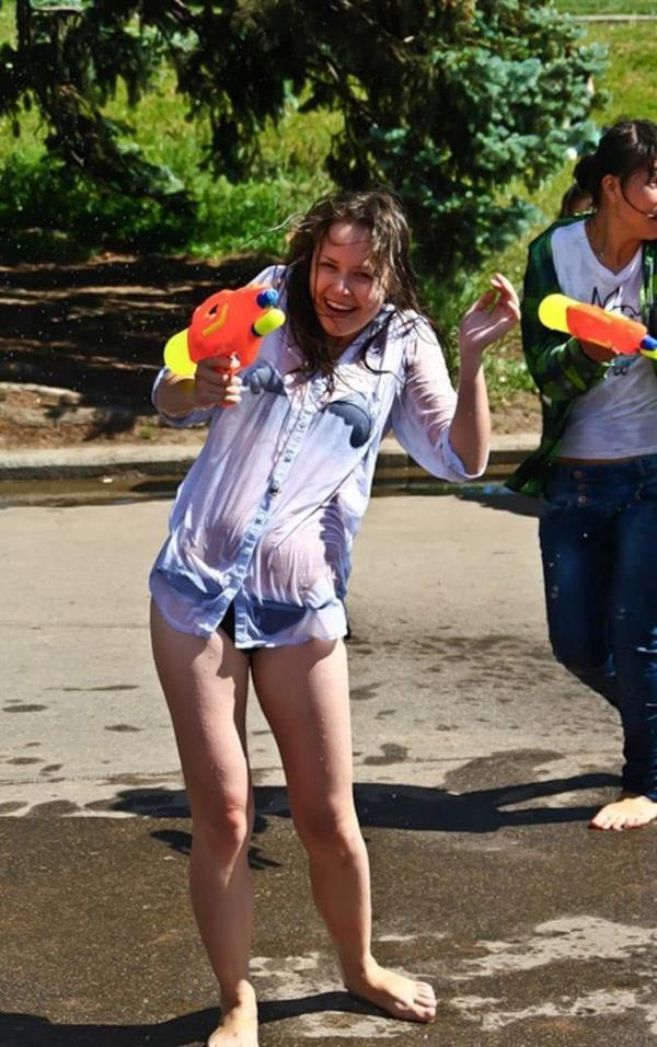 水かけ祭りエロ画像-7