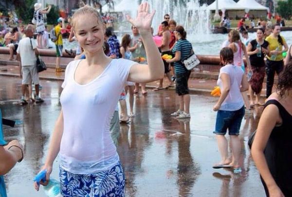 水かけ祭りエロ画像-10