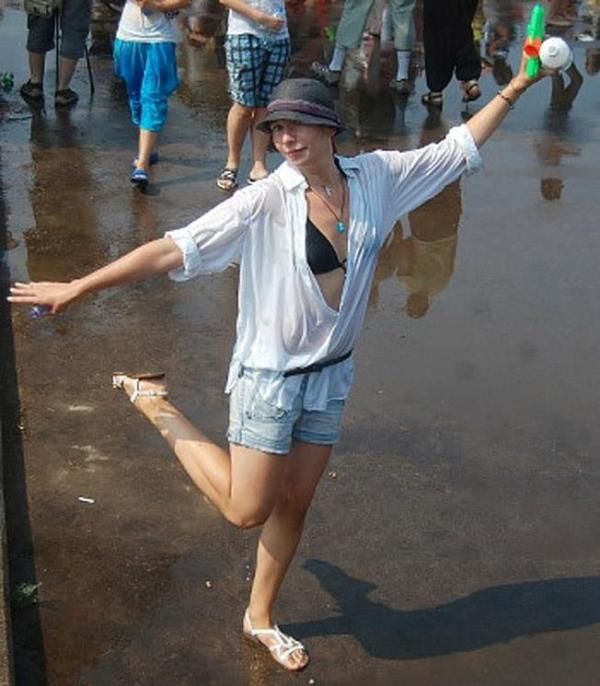 水かけ祭りエロ画像-12