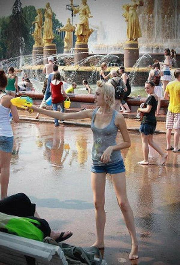 水かけ祭りエロ画像-18