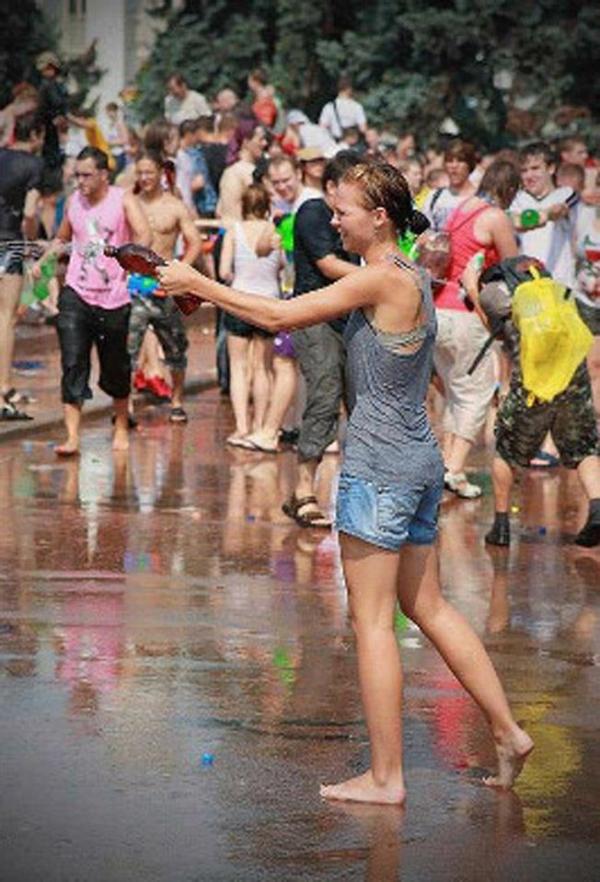 水かけ祭りエロ画像-29