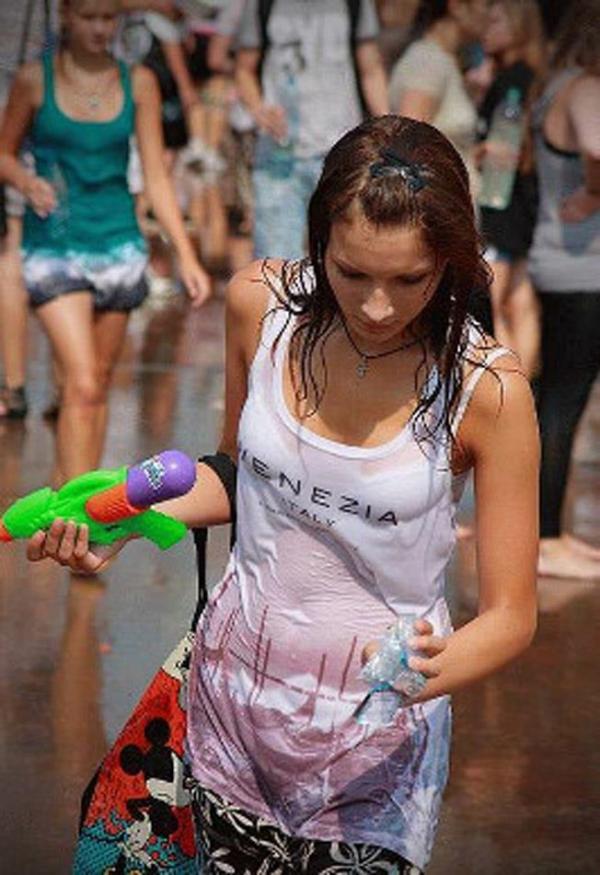 水かけ祭りエロ画像-33