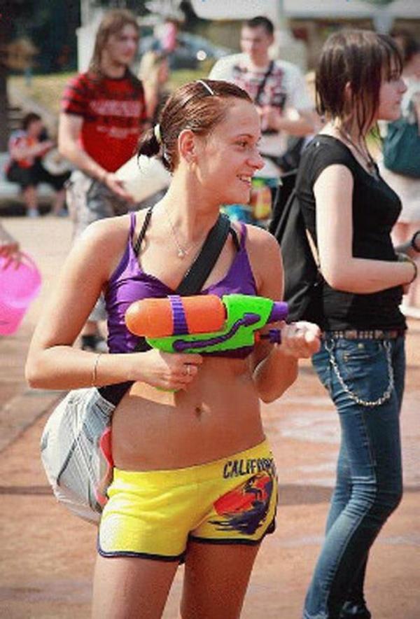 水かけ祭りエロ画像-36