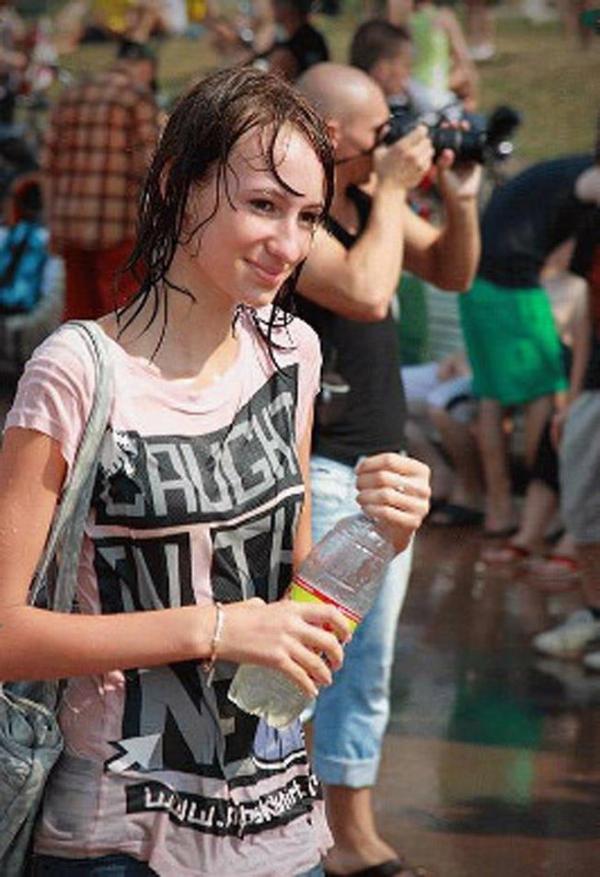 水かけ祭りエロ画像-37