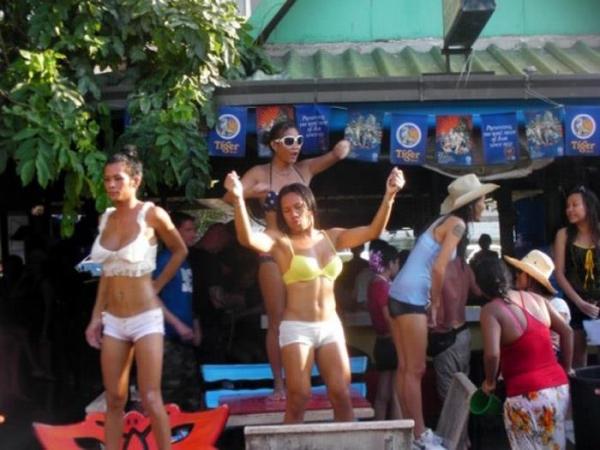 水かけ祭りエロ画像-53