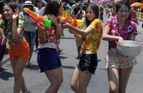 水かけ祭りエロ画像-55