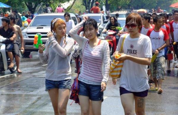 水かけ祭りエロ画像-68