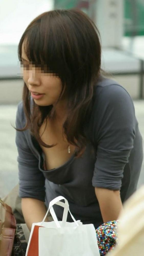 胸チラ画像-52