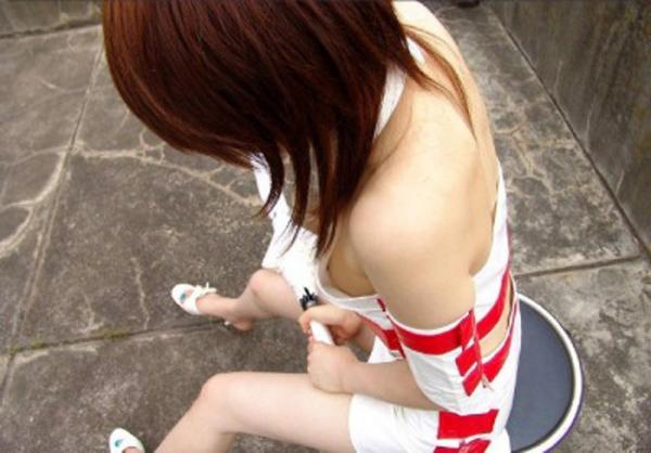 胸チラ画像-62