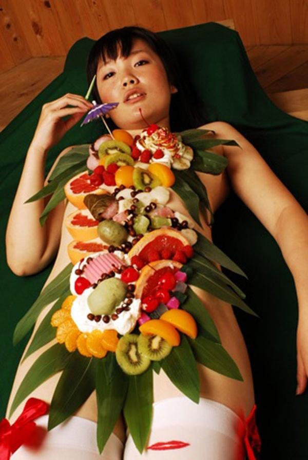 女体盛り画像-12