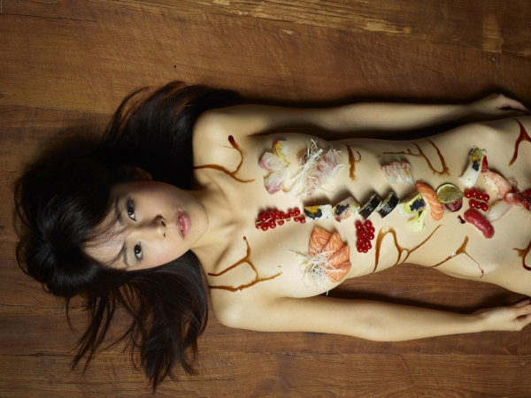 女体盛り画像-21