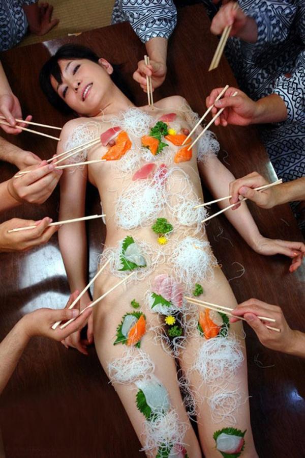 女体盛り画像-24