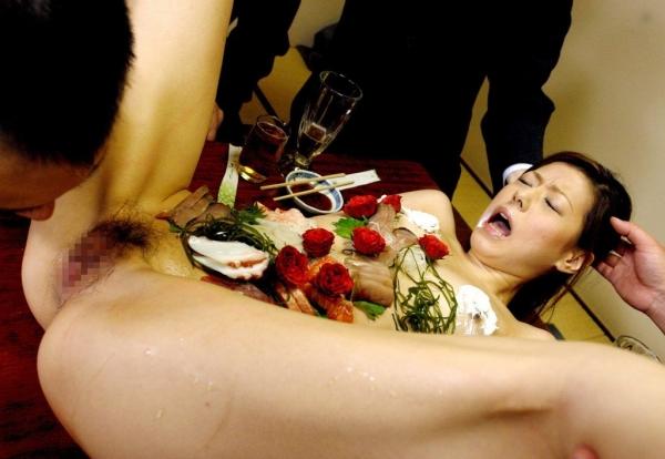 女体盛り画像-31