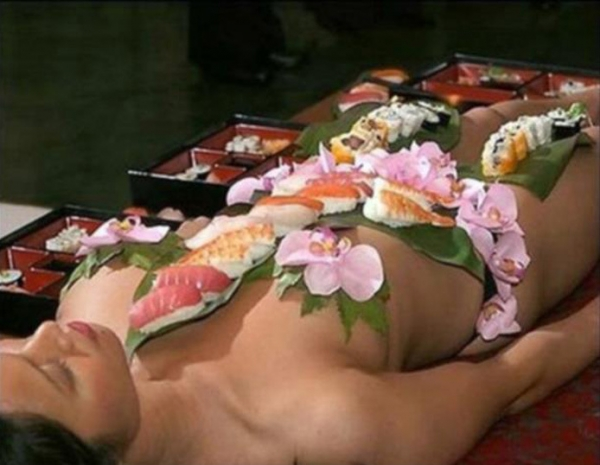 女体盛り画像-65