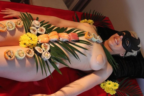 女体盛り画像-71