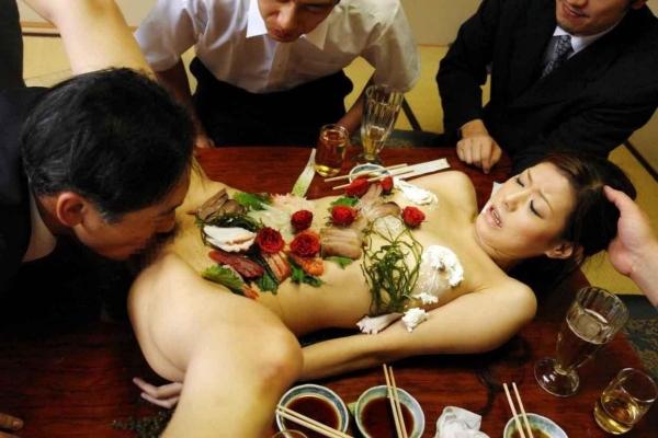 女体盛り画像-72