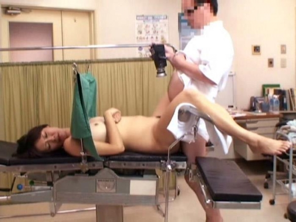 産婦人科診察画像-19