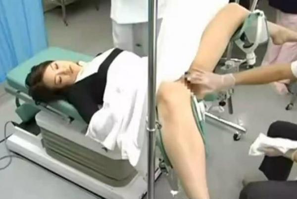 産婦人科診察画像-40