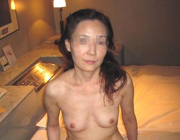 スレンダー人妻画像-14