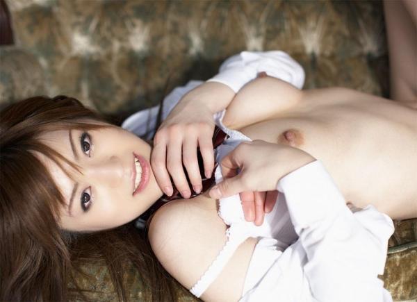 乳首ビンビン人妻画像-19