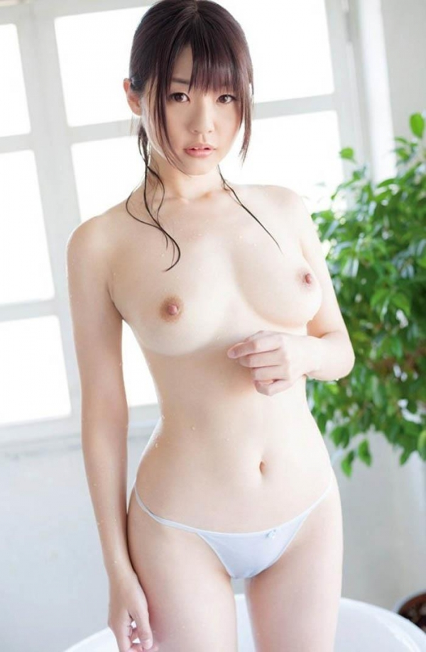 人妻乳首ビンビン画像-36