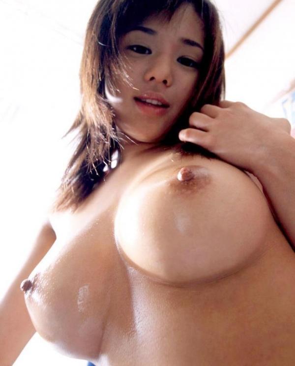 人妻乳首ビンビン画像-45