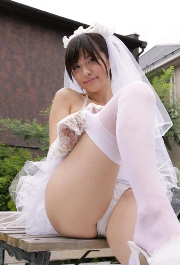 ウエディングドレスのパンチラ画像-8