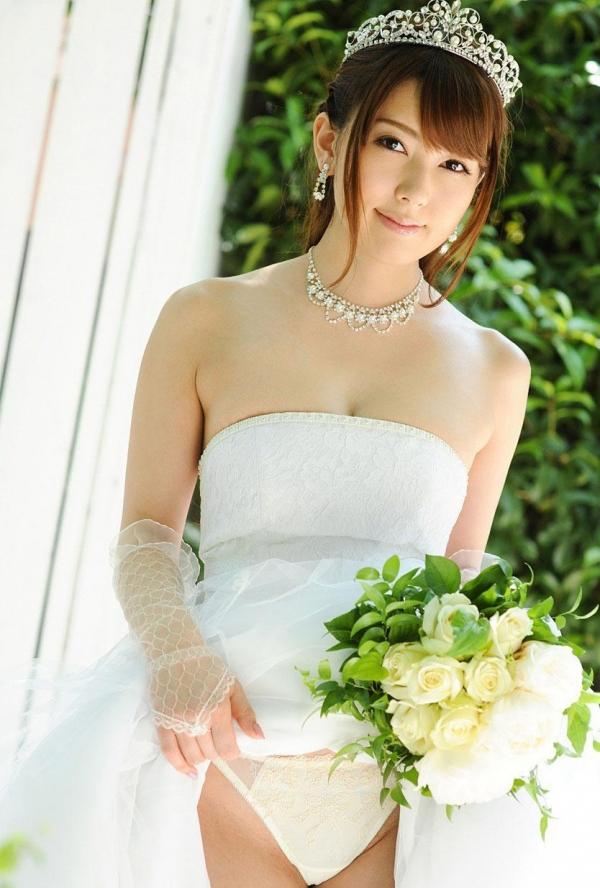 ウエディングドレスのパンチラ画像-12