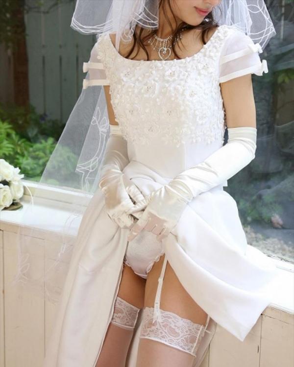 ウエディングドレスのパンチラ画像-20