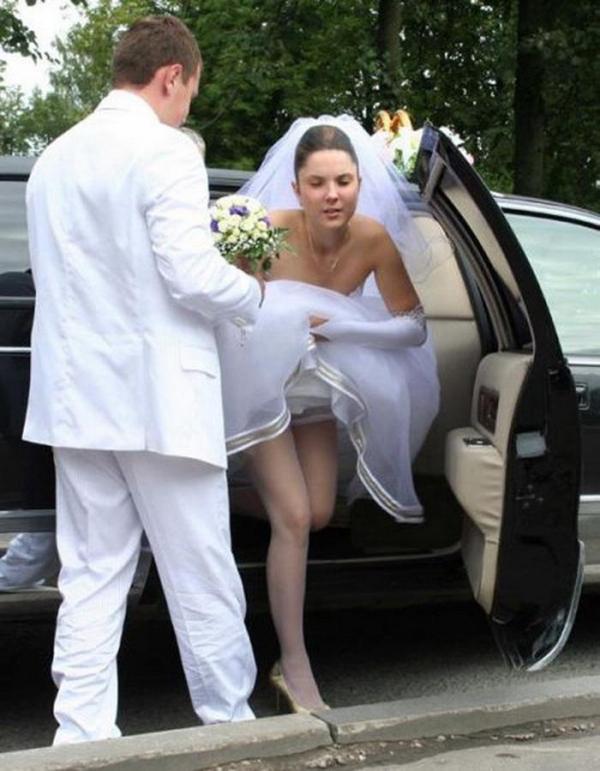ウエディングドレスのパンチラ画像-26