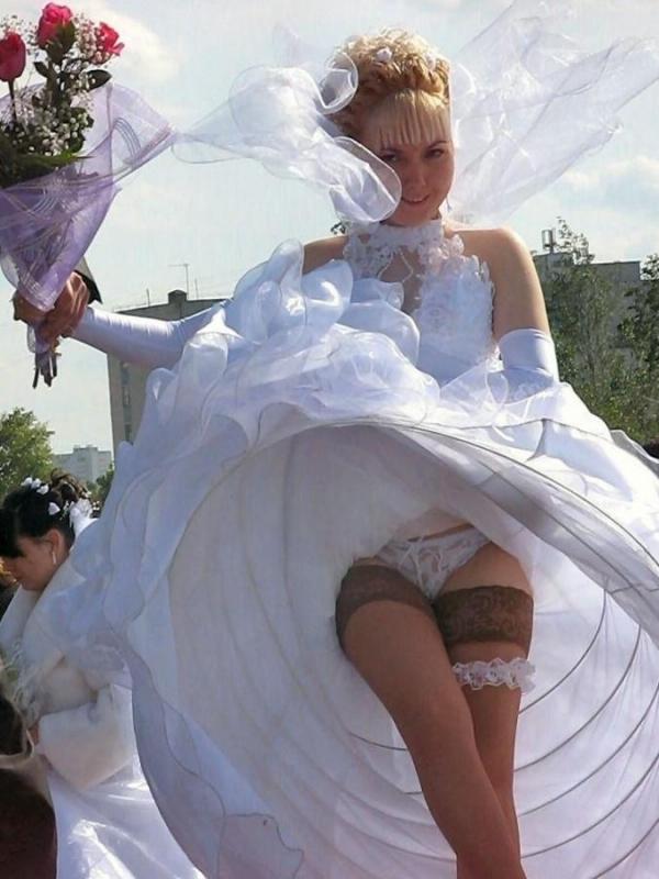 ウエディングドレスのパンチラ画像-29